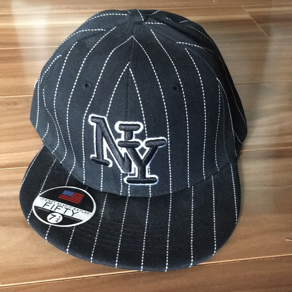 893e6420 Fitted wool NY Yankees hat never worn size 7 1/4 NWT